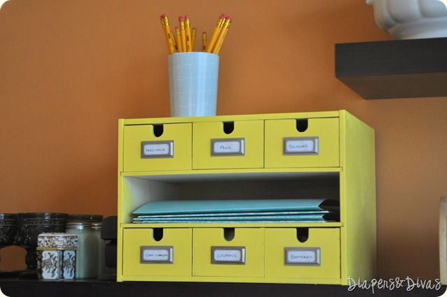 Oh- I so want an organizer like this for my desk and to put my computer monitor on - any ideas where I can get one?
