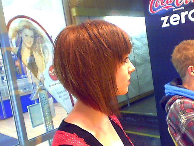 cheveux - carré plongeant 074
