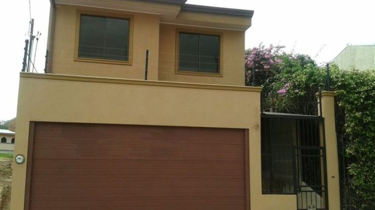 Precio excelente por una cómoda casa en Bosques de Santa Ana. http://micasatica.com/es/properties/precio-excelente-por-comoda-casa-bosques-de-santa-ana/ Por tan solo $185.000 USD, la casa cuenta Área de construcción: 192 m2 , dos plantas,3 dormitorios en la planta alta,2.5 baños, cochera para dos autos. para más detalle contacte al + 506-8706-563 #DreamHome #casanueva #comprarcasa #HouseHunting #OpenHouse