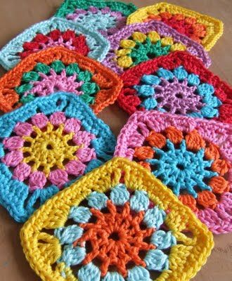 I wanna learn how to make these  Crochet - Granny squares pattern
