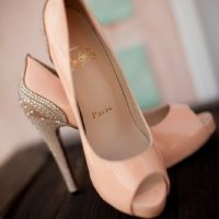 peach wedding shoes....if only a shorter heel:(