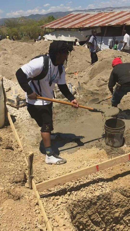 Retired NFL Superstar RB Marshawn Lynch is in Haiti building up luxury houses, one by one, for the people of Haiti with his OWN money. I bet this won't make the news or get thousands of shares neither. I wonder why? #YallGoFigureItOut