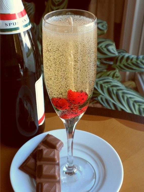 Strawberries and Champagne Gel Candle by gelDlights on Etsy