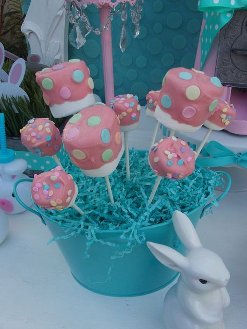 Marshmallow Pops at an Easter Party #easter #party