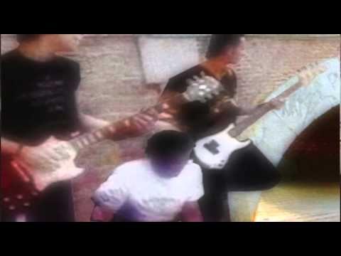 """Video Clip Musical del grupo cordobes """"Descaro"""" perteneciente al single promocional """"¿QUÉ SERÁ?"""" en su debut discográfico con el sello Avispa.  Realizado en madrid por:  http://www.blazquezbros.com"""