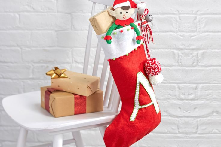 How to Make an Initial Pompom Stocking #christmas #stocking