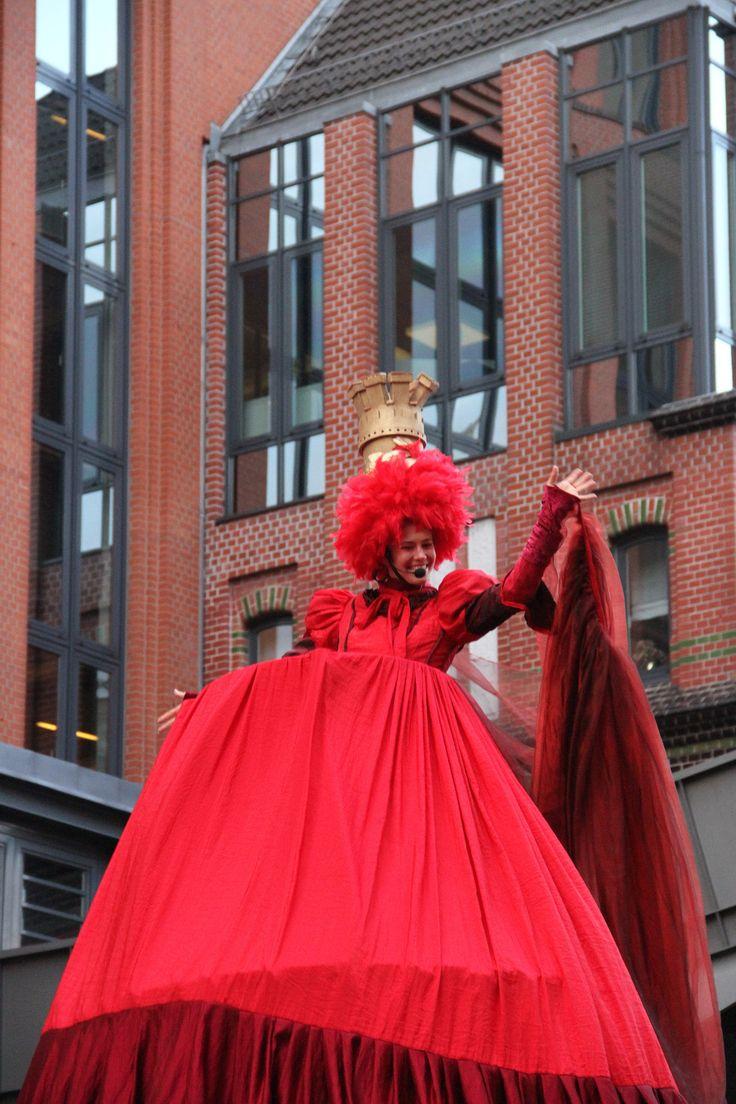 Bist du der Trend? Der Frühling? Stehst du auf Fashion? Was braucht dein Kleiderschrank? Wir wird die neue Saison in Sachen Mode, Fummel, Kleid in Hamburg?