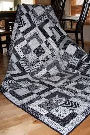 Box Black and White Quilt...repinning .thank you everyone this has been repinned over 1 thousand times. Amazing.gww