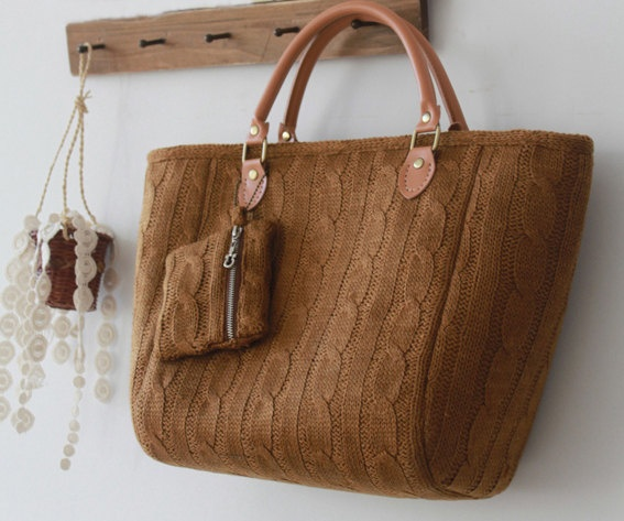 Handmade Sweater bag - I'm going to try to make this.