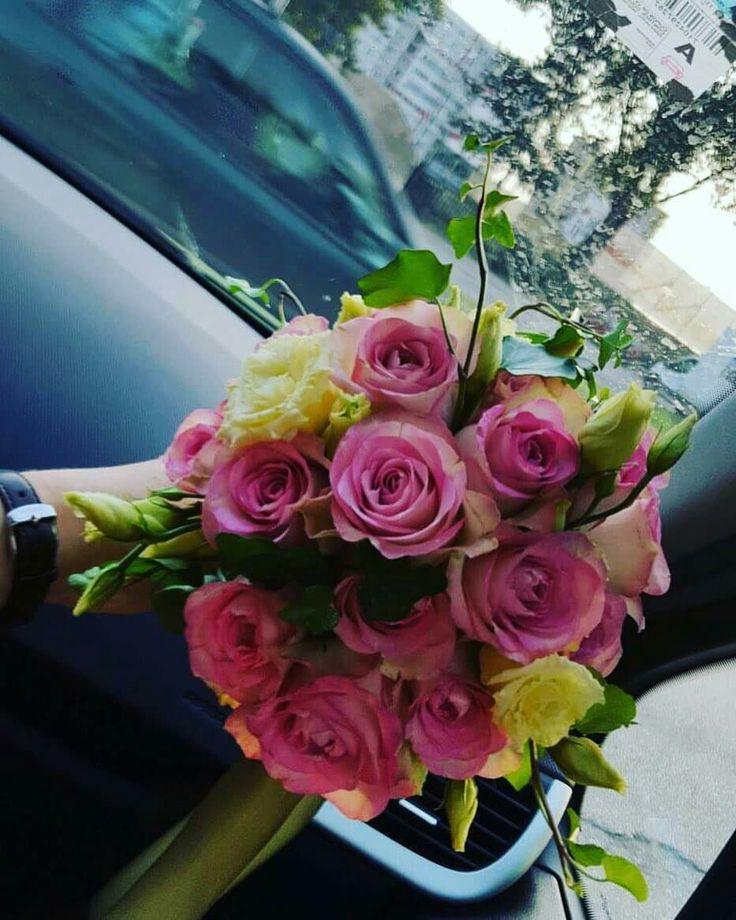 #weddingflowers #pinkroses #simplyperfect #millefleurscreations