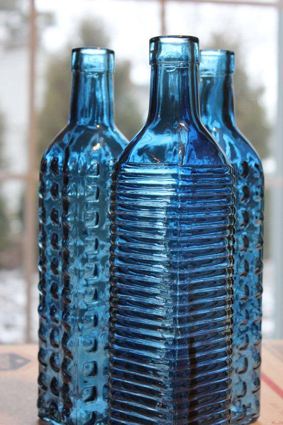 Set of  20 NAVY BLUE GLASS Bottles Dark Navy Colored Wedding Beach Rustic Vintage Rainbow Flowers Bottle Vase Shabby Chic Cobalt