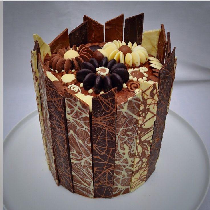 Chocolate piñata cake