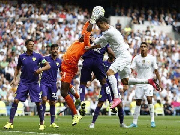 Niesamowite parady bramkarskie Carlosa Kameni w meczu z Realem Madryt • Pojedynek Kameni vs Real w Primera Division • Zobacz film >> #real #realmadrid #football #soccer #sports #pilkanozna