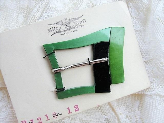 FANTASTIC Art Deco 3 Tone Bakelite Vintage 30s Belt Buckle, Original Display Card, 30s Dress Sewing Notions, New Old Stock, Early Plastic, Black Greens Art Deco Collectible Sewing Notion