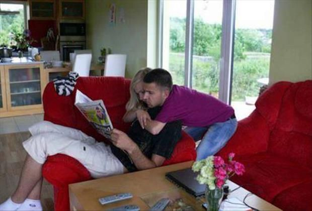 21 Funny Optical Illusions  who is behind/ the guy or the girl?