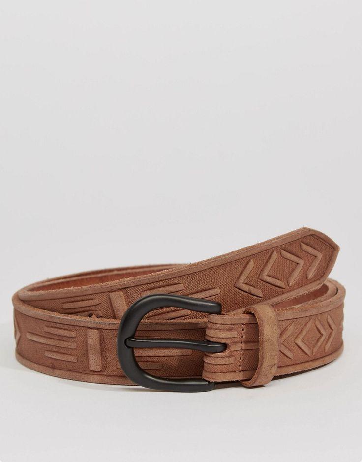 Imagen 1 de Cinturón de cuero grabado a mano de ASOS