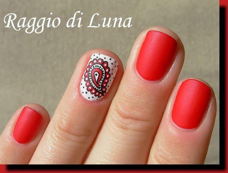 Raggio di Luna Nails: Paisley: black  white  red
