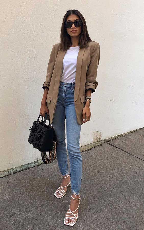 Alerta de tendência: Sandália de bico quadrado - Guita Moda | Look blazer, Tendências da moda atual, Roupas da moda feminina