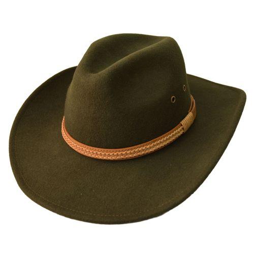 """Palarie cowboy din fetru kaki Palarie cowboy din fetru kaki deosebita, realizata din lana premium, cu boruri largi si banda din piele impletita de culoare bej, pentru un aer masculin. Aceasta palarie cowboy din fetru kaki este captusita cu satin de culoare alba, pentru un plus de confort. [button_icon href=""""http://magazinuldepalarii.ro/produs/pana-pentru-palarie/"""" icon_path="""""""" icon=""""gift"""" sense=""""rtl"""" ]Pana pentru palarie[/button_icon]"""