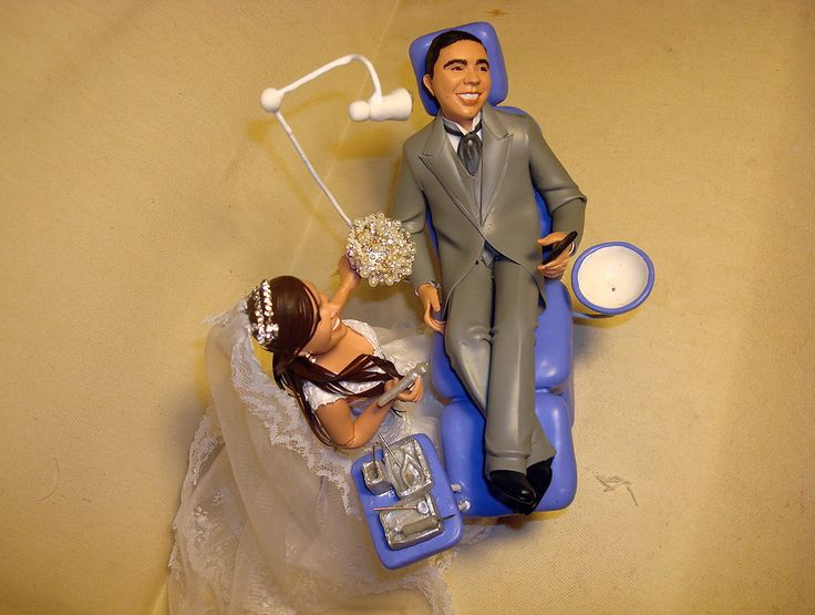 noivinha dentista com noivo na cadeira | Flávia Pina Noivinhos | Elo7