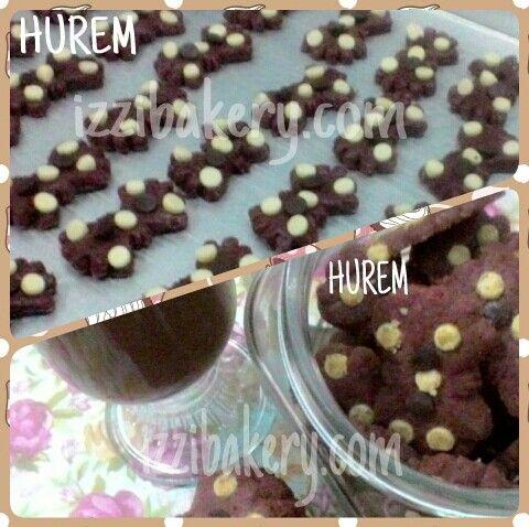 Puteri Hurem yang terkenal cantik dengan kelicikannya... , kini hadir di izzi bakery, chocolate rich flavour dengan choco chipnyg renyah ...