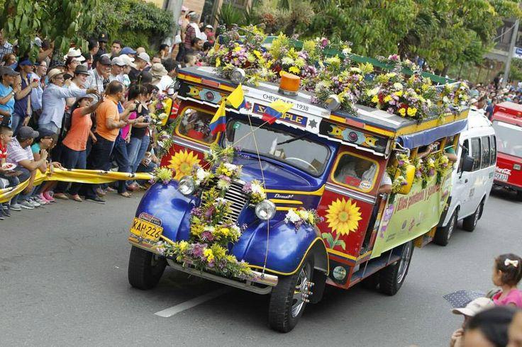 La feria de las flores Si tu #DestinoFavorito es #Medellin visitanos en www.easyfly.com.co/Vuelos/Tiquetes/vuelos-desde-medellin