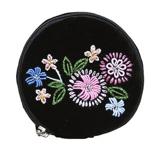 Our jewellery bag is a simply divine way to carry your most precious items!