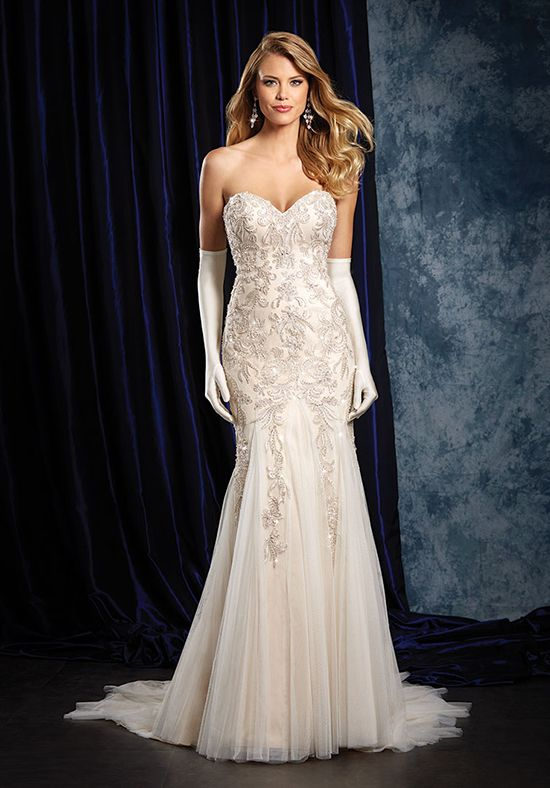 Alfred Angelo Sapphire Bridal Collection | Alfred Angelo 957 | http://trib.al/PKE6HTr