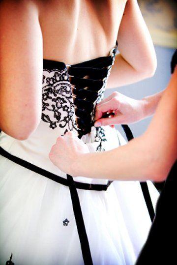 .Wedding Parties, Black Lace, Ideas, Wedding Dressses, White Wedding Dresses, Black And White, Black White, White Weddings, Black Wedding Dresses