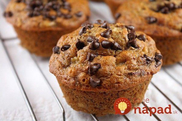 Začnite voľný deň sladkými raňajkami, ktoré vás nabijú energiou a dodajú vášmu telu množstvo vitamínov a živín. A čo je na tom najlepšie? Tieto sladké koláčiky pripravíte bez cukru a múky, môžete si ich teda dopriať dosýta, bez výčitiek. :-)