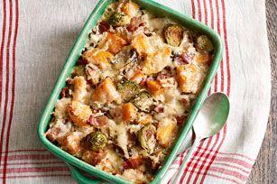 Grâce à ce gratin idéal pour accompagner les plats de dinde ou de poulet rôti, les choux de Bruxelles deviendront à coup sûr l'un de vos nouveaux légumes favoris.