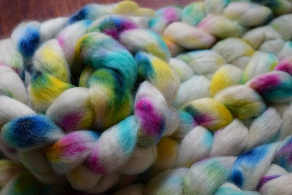Handpainted roving  DISCO  100g  Corriedale by SpindlesAndStitches