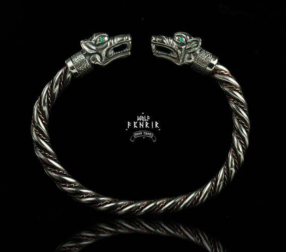 Fenrir Bracelet / Emerald / Viking Style Wolf's heads