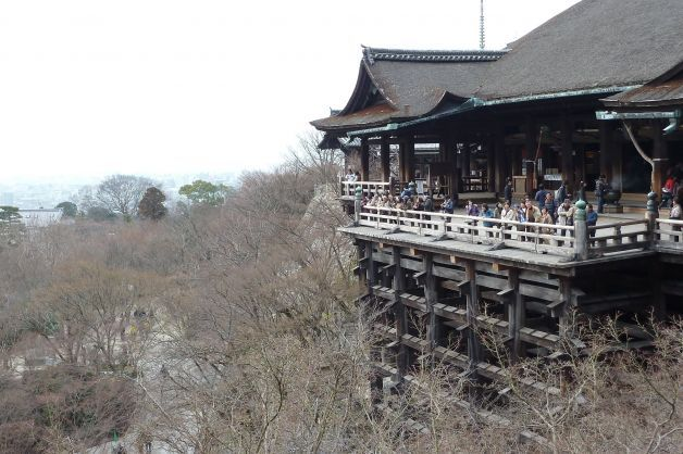 The Hondo (main hall) and stage at Kiyomizu-dera were built in the 17th century without a single nail. Photo: Spud Hilton, The Chronicle