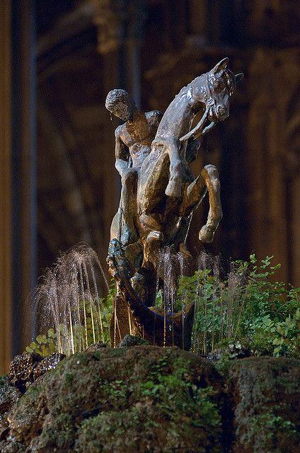 Sant Jordi - St George | Cloister of Barcelona Cathedral