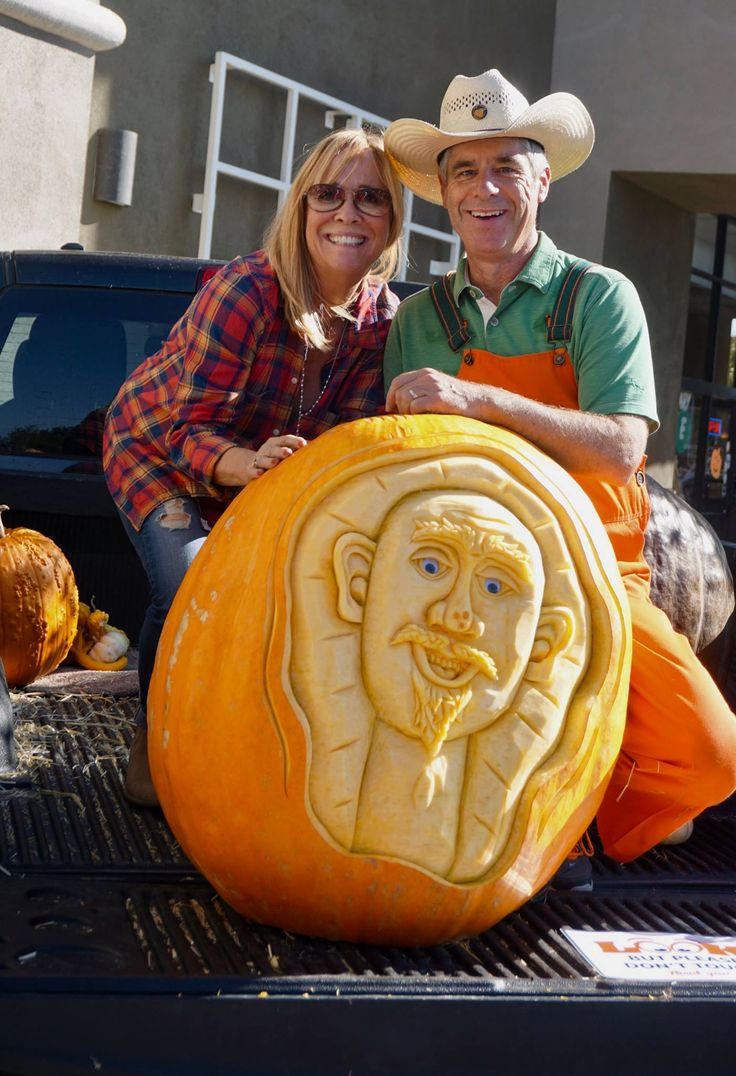 Farmer Mike and his amazing pumpkin carving at our Bewitching Fun event!