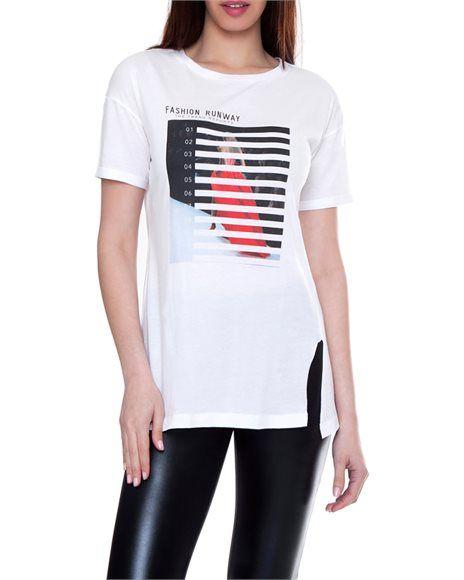 T-shirt με Fashion Runway τύπωμα
