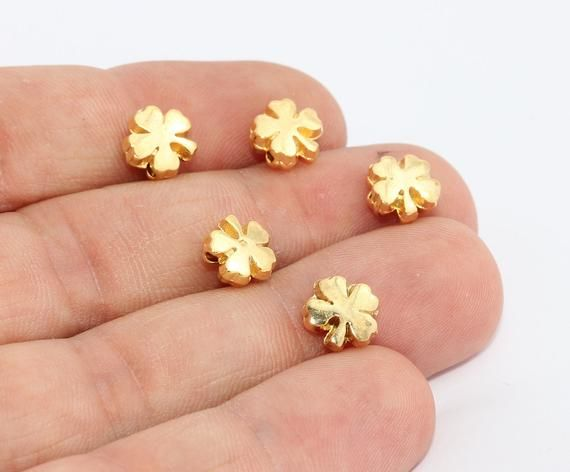 Gold Plated Findings 8x8mm 24k Shiny Gold Clover Beads Dainty Charms Bracelet Connector Daisy Beads Beads Flower Charms GLD268