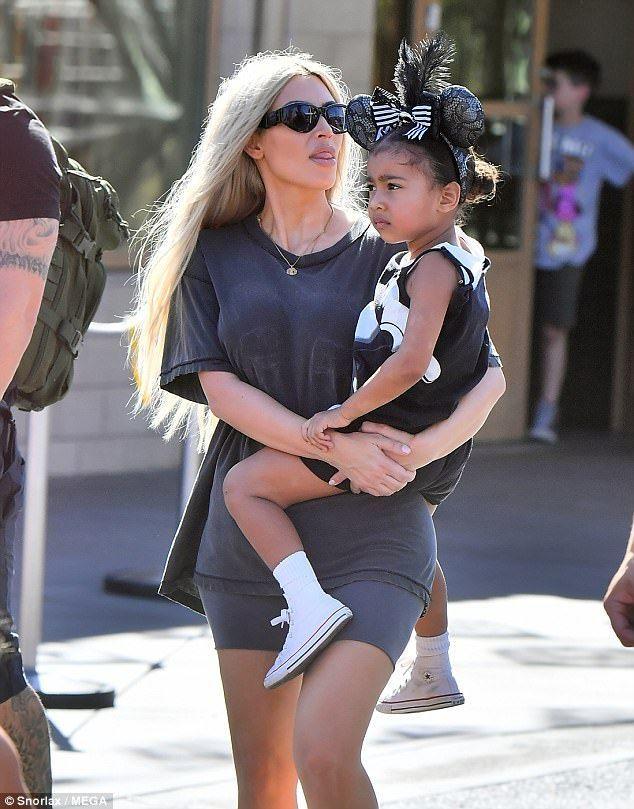 Kim Kardashian And North West Mommy And Me Style Dashin Fashion Celebrity Kids Fashion Kim Kardashian And North Kim Kardashian Kanye West