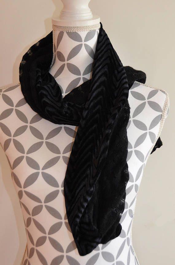 Belle écharpe foulard panne de velours noir-tissu dentelle ... 9be7fa1460f