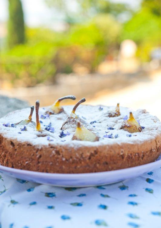 Шоколадный пирог с грушами и лавандой / Torta di cioccolato con pere e lavanda | Элла Мартино Рецепты Кулинарные туры Итальянская кухня