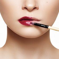 Come applicare rossetto e matita?