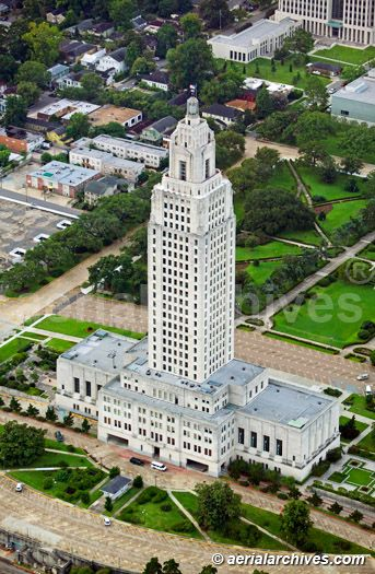 State Capitol , Baton Rouge , Louisiana! Supposed to be the tallest state capital in the US