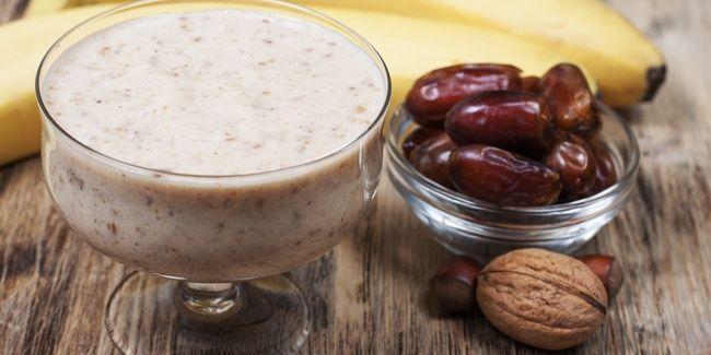 Resep Smoothies Kurma adalah resep minuman yang terbuat dari bahan utama kurma dan yoghurt.