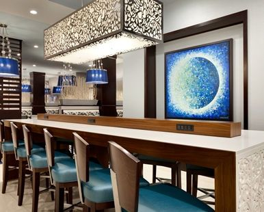 Embassy Suites by Hilton Atlanta NE Gwinnett Sugarloaf Hotel, GA - Eterie Restaurant Dining Seating | GA 30097