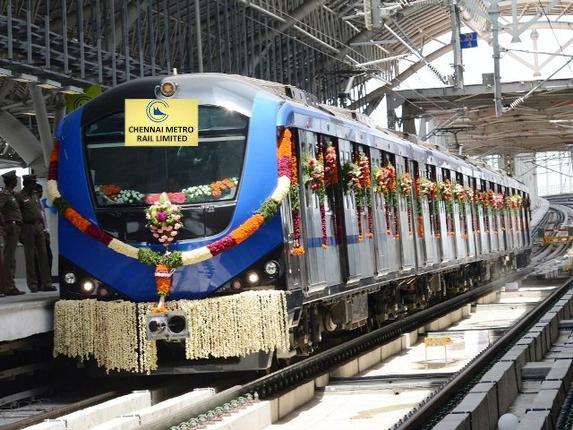 #ChennaiMetro Rail starts operation today, Chennaiites enjoy first day first ride in #Chennai.