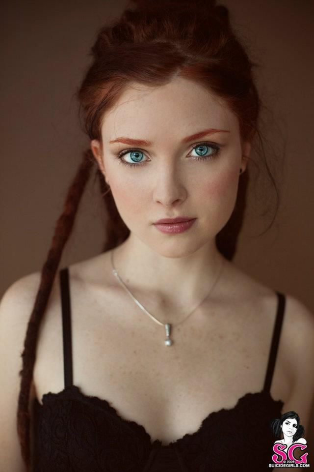 Redhead amateur giving