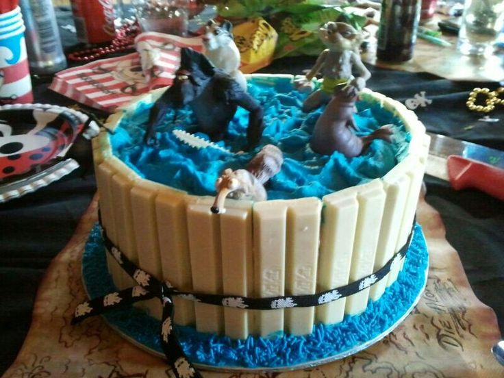 Kit Kat Pirate ice cream cake with blue chocolate mouse