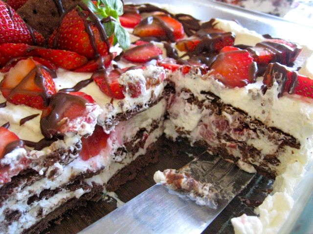 "Easy Chocolate Strawberry ""Shortcake"" 