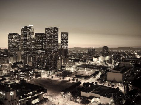 California, Los Angeles, Skyline of Downtown Los Angeles, USA Fotodruck von Michele Falzone bei AllPosters.de